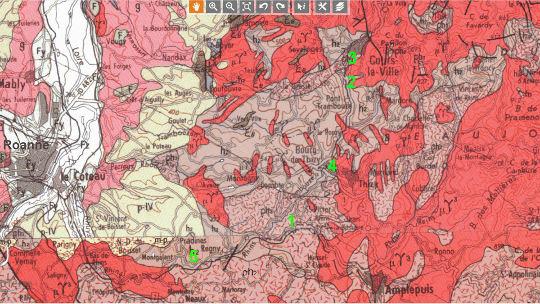 Extrait des cartes géologiques à 1/250000 de Chalon-sur-Saône et de Lyon couvrant le secteur de l'Ouest de Roanne (Loire et Rhône)