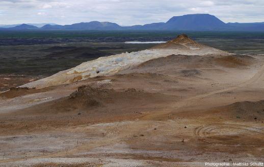Vue en direction de l'Ouest depuis la crête Námafjall (Islande)