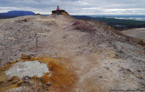 Vue en direction du Sud-Ouest depuis la crête Námafjall (Islande)