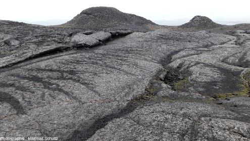 Surface d'une coulée basaltique émise par le volcan Krafla lors des «nouveauxfeux du Mývatn», en 1975-1984, Islande