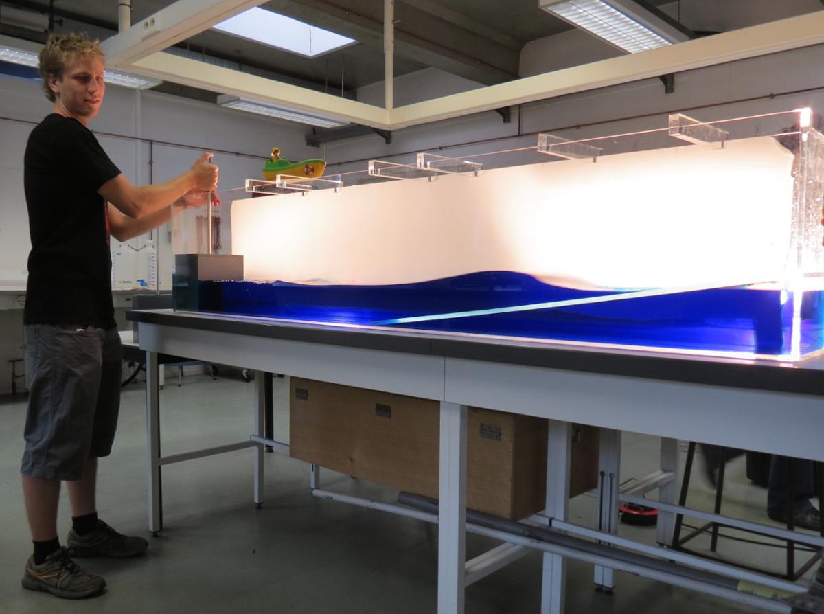 Cuve expérimentale à tsunami