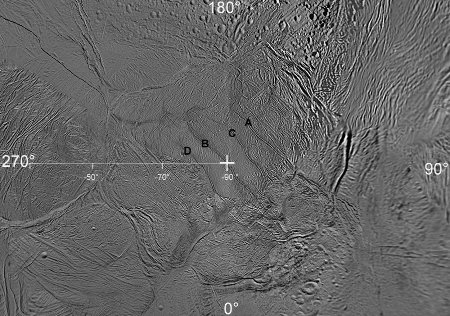 Mosaïque généralede la région du pôle Sud (croix blanche) d'Encelade