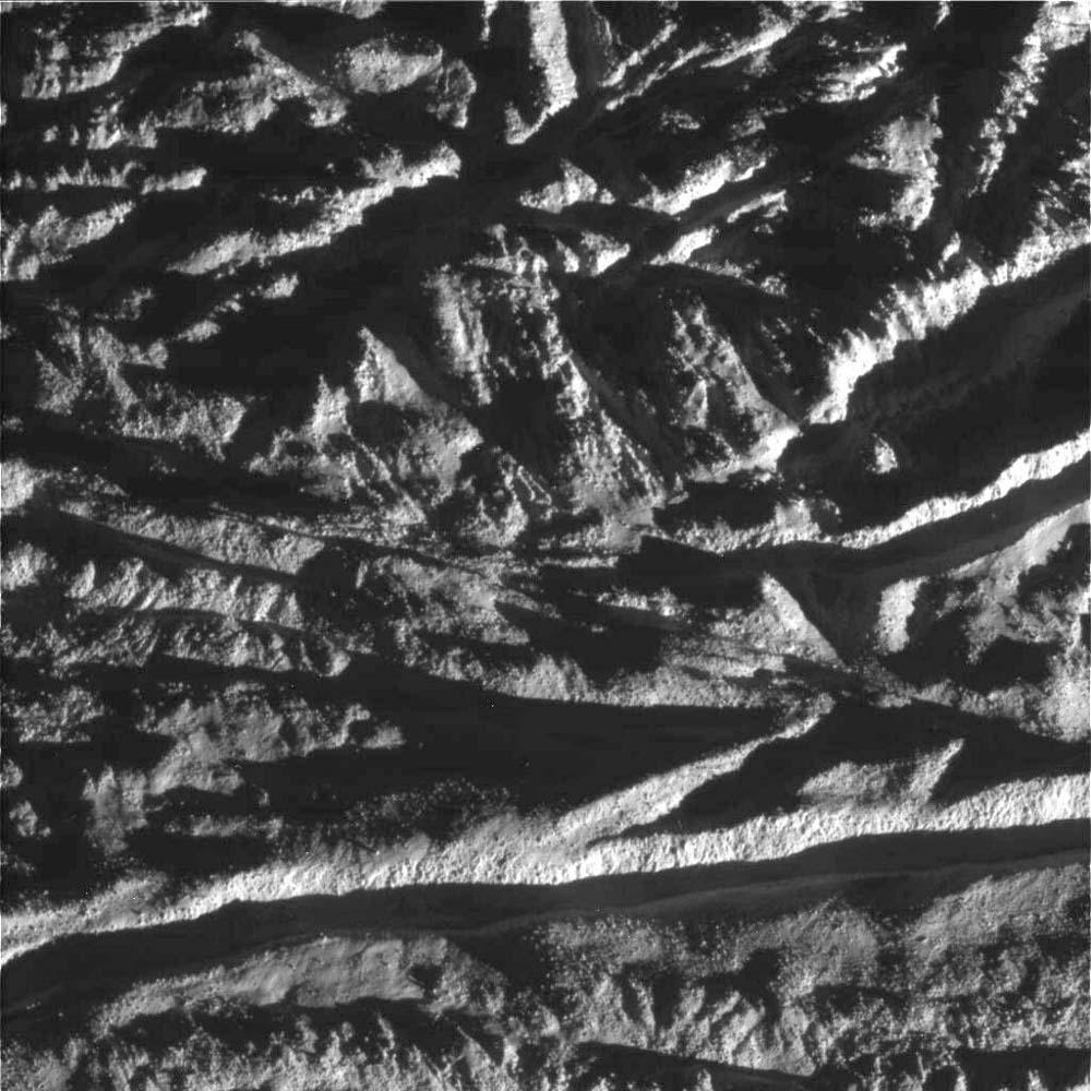 Très gros plan sur le sulcus (rayure de tigre) Le Caire, Encelade