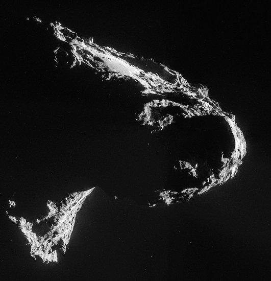 Images prises le 2 novembre 2014 d'une distance de 33,4km du centre de la comète 67P/CG