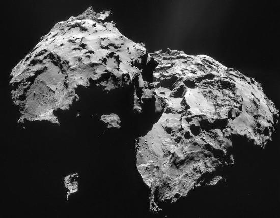 Images prises le 12 janvier 2015 d'une distance de 27,9km du centre de la comète 67P/CG