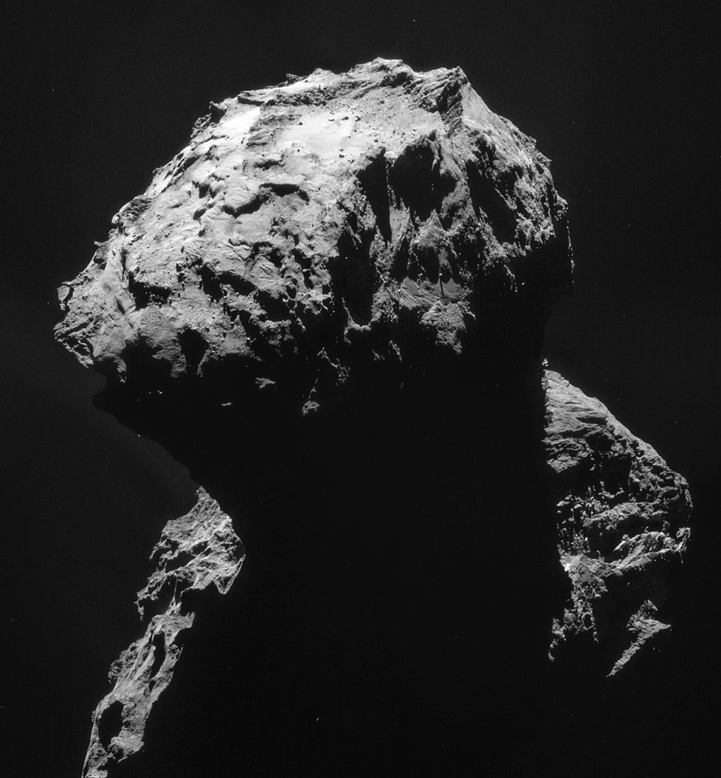 Images prises le 18 janvier 2015 d'une distance de 28,4km du centre de la comète 67P/CG