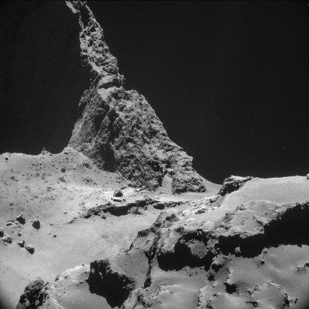 Le mur d'escalade de Chury, situé dans le cou et adossé au lobe principal, à gauche