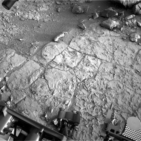 Les deux premiers trous de forage de Curiosity dans le secteur John Klein