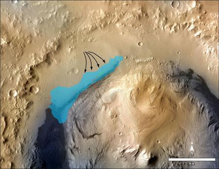Carte de l'étendue probable de l'ancien lac interne au cratère Gale et de son alimentation torrentielle, sur les sédiments duquel roule Curiosity depuis août 2012