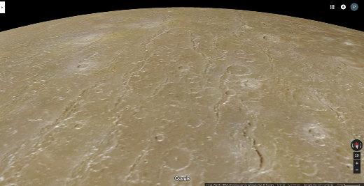 Zoom de détail sur quelques-unes de des fractures concentriques au bassin d'impact Valhalla sur Callisto