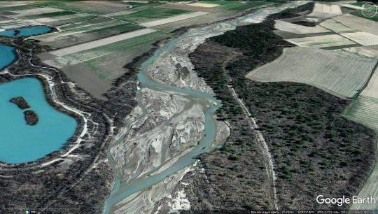 Exemple de réseau en tresses, l'Asse, à sa confluence avec la Durance