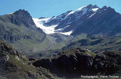Vue du glacier de l'Invernet (73) en 2000, et ses anciennes moraines latérales