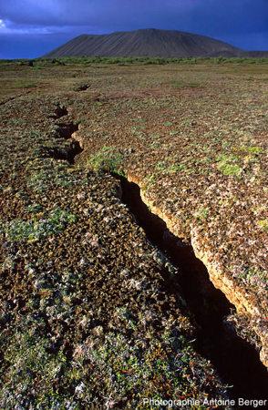 Photographie d'une fracture en Islande