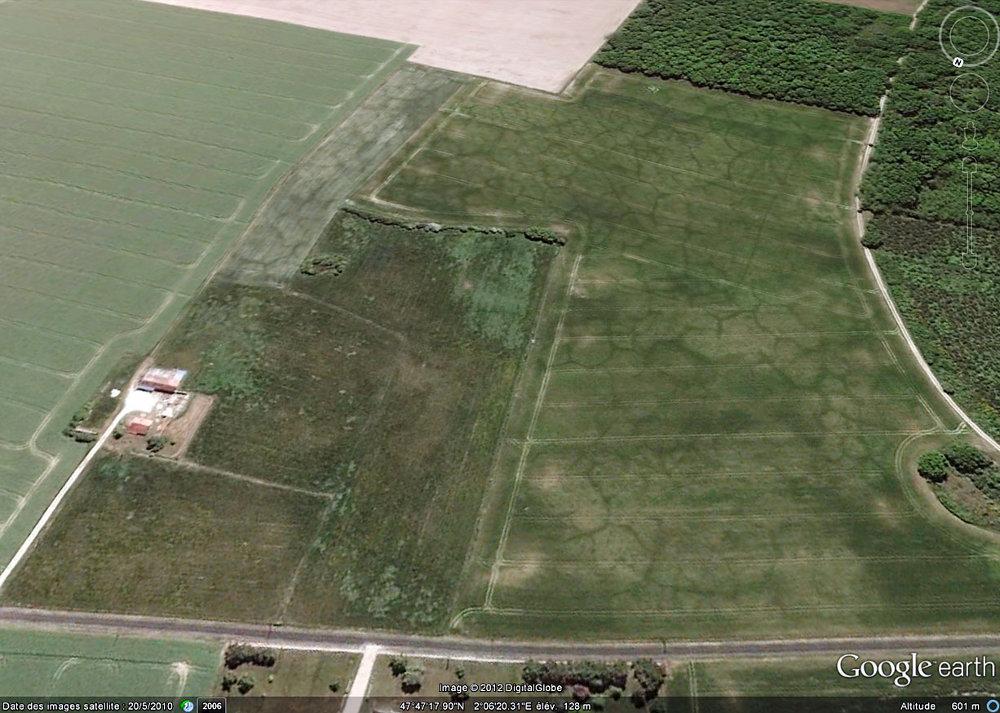 Vue aérienne de sols polygonaux en Val de Loire (ESE d'Orléans)