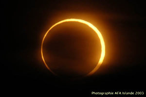 L'éclipse annulaire du 31 mai 2003 au Nord d'Husavik, Islande