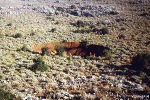 Doline d'effondrement dans un karst de Sardaigne