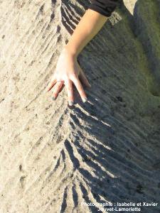 Gros plan sur les micro-ravines du calcaire miocène de Tourrettes sur loup (06)