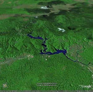 Image Google Earth de la rivière traversant le parc national de Plitvice