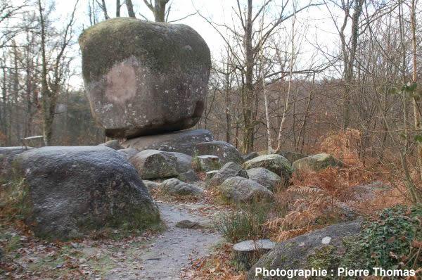 La pierre branlante des monts de blond haute vienne et autres chaos graniti - La pierre du droguiste ...