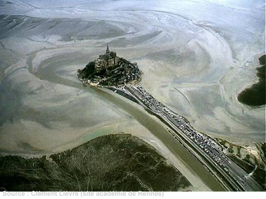 Vue aérienne du Mont St Michel