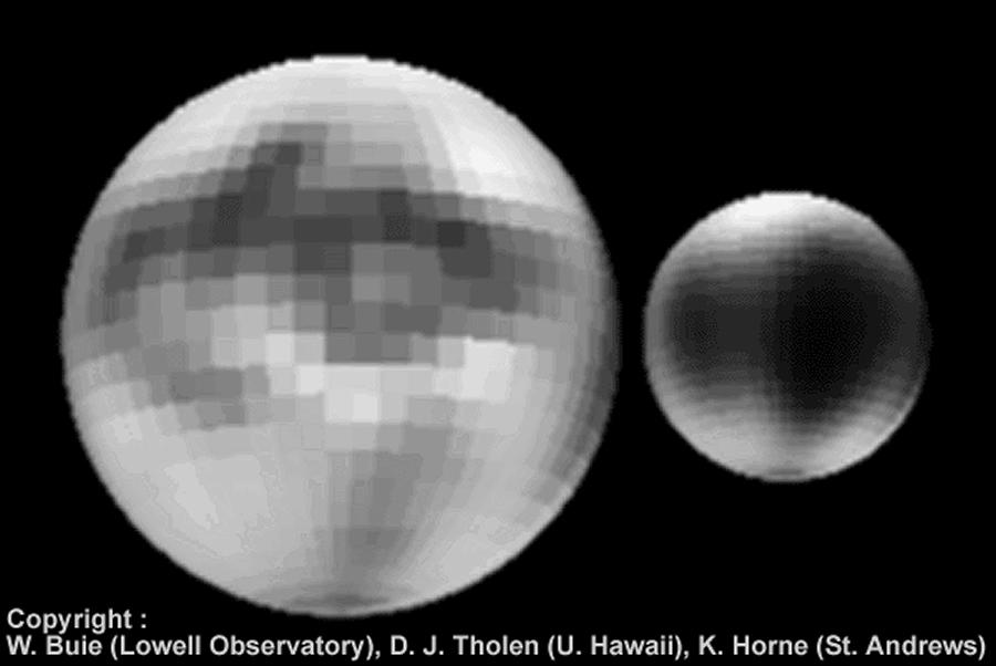 Vues de Pluton et de Charon (Télescope Spatial)