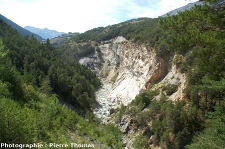 Les gorges de l'Arc à travers la nappe des gypses, Alpes