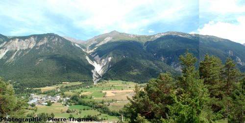 Paysage entre Modane et Termignon (vallée de la Maurienne, 73)
