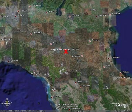 Localisation des volcans de boue de Nirano (croix rouge) à l'échelle régionale