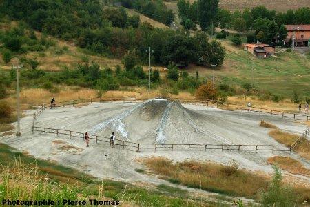 Le groupe de volcan 2,Nirano (Emilie-Romagne, Italie)