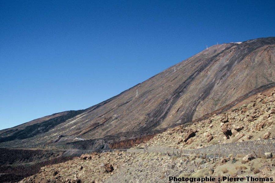 Vue générale du flanc SE du Teide