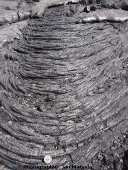 « Cordes » courbées par la progression d'une coulée pa hoe hoe (Hawaii)