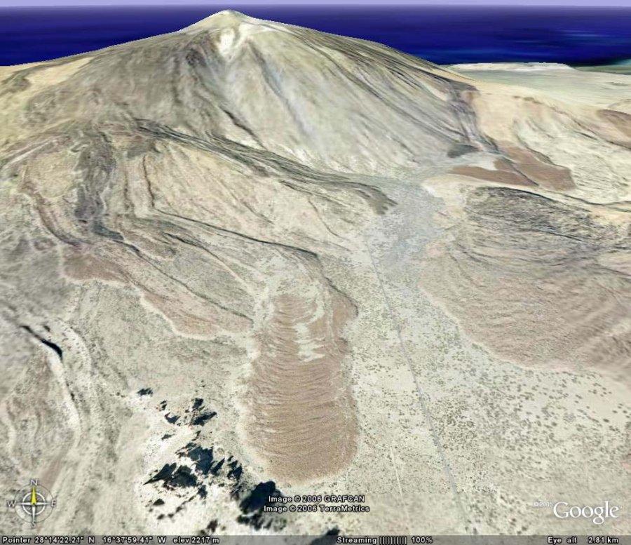 Rides de progression courbes sur une coulée de lave du volcan de Teide, Canaries