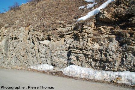 Pli en genou dans la nappe des flyschs à helminthoïdes, Ancelle (Hautes Alpes)
