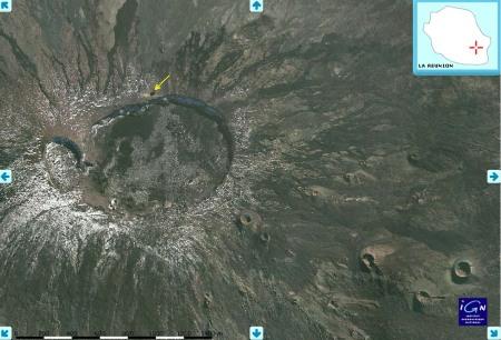 Photographie aérienne (IGN) du Dolomieu, avant l'éruption d'avril 2007