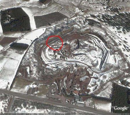 Vue Google Earth de la carrière du Puy de Lemptégy (63)