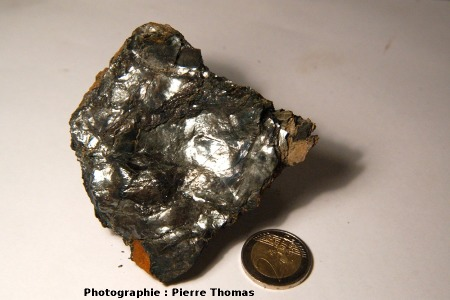 Giga-cristaux d'hématite, région de Quincinetto, vallée d'Aoste (Italie)