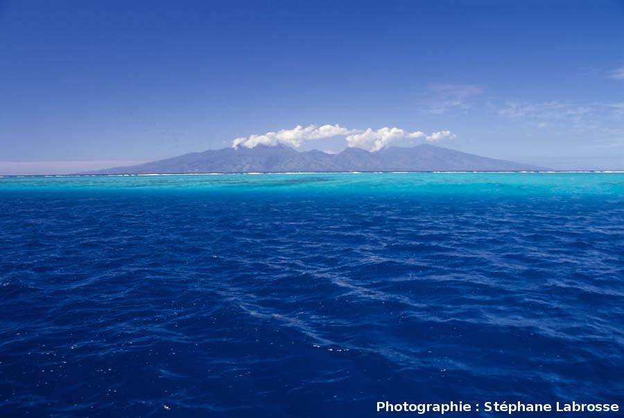 Tahiti vue de Moorea