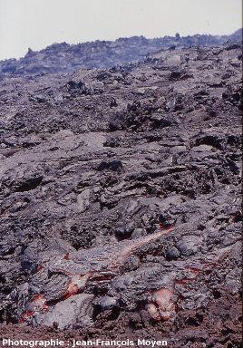 Coulée mixte pahoehoe-aa, éruption d'octobre 2000, Piton de la Fournaise, île de La Réunion