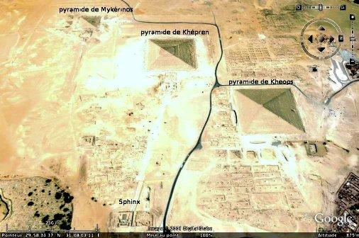 Vue aérienne (Google earth) du sphinx et des pyramides du plateau de Gizeh, Égypte