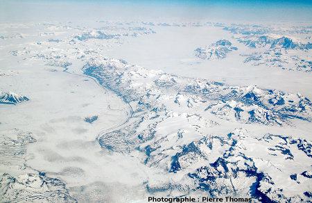 la chaîne côtière du Groenland, vue de 10000m d'altitude