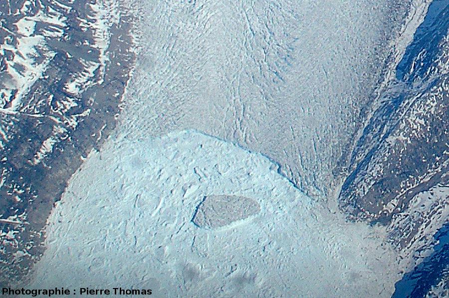Détail du front du glacier, côte orientale du Groenland