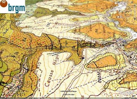 Vue du canyon du Briant en amont de Minerve (au centre droit de l'image) (Hérault), avec la géologie