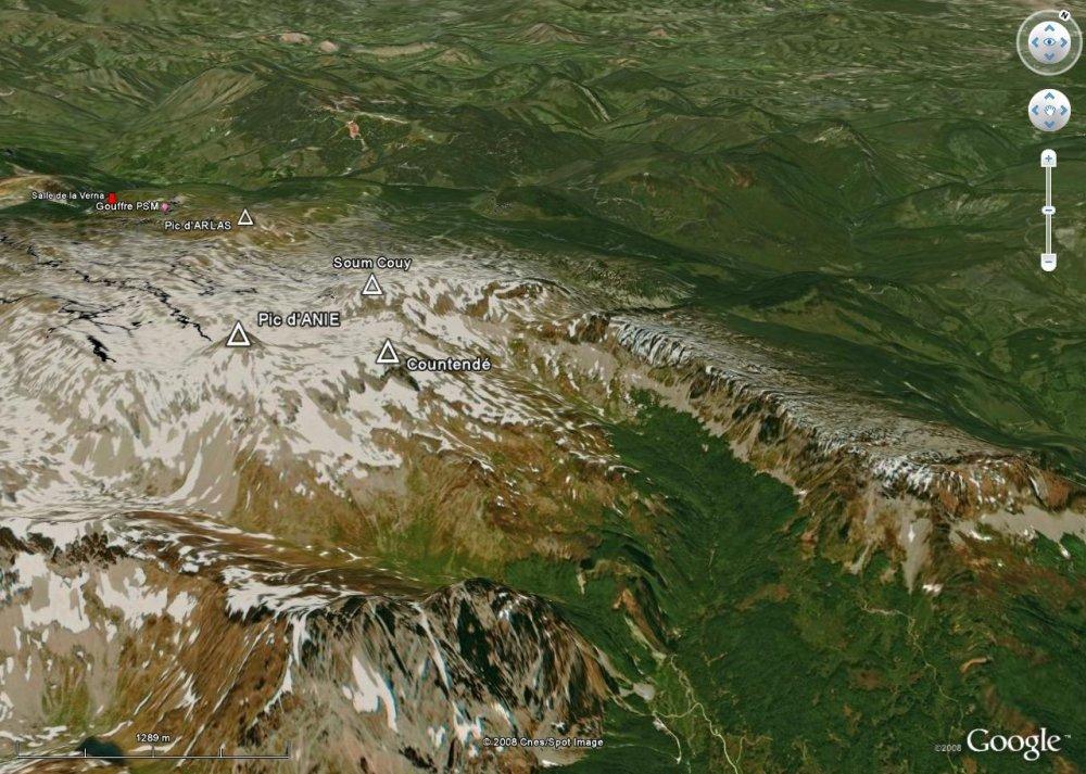 Vue d'ensemble du massif de la Pierre St Martin depuis le Sud