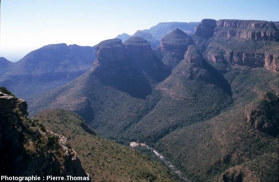 Les grès rouges du super groupe du Transvaal (2,6 à 2,2Ga), canyon de la Blyde River, Afrique du Sud
