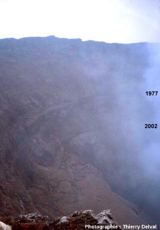 Les 2 terrasses laissées par les 2 dernières vidanges du lac de lave du Nyiragongo (République Démocratique du Congo)
