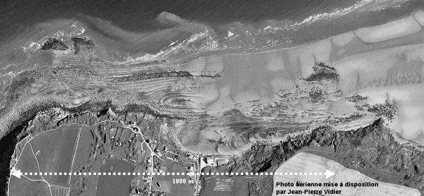 La plage du Cap Gris-Nez:image aérienne prise à marée basse