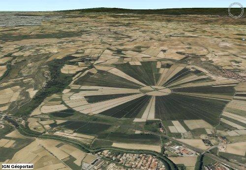 Vue aérienne oblique de l'étang de Montady (Hérault)