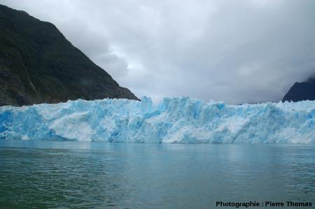 Pinacle de glace, front du glacier de San Rafael, Patagonie chilienne