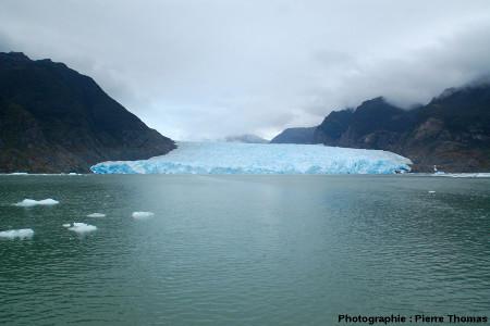 Vue générale de la langue terminale du glacier de San Rafael, Patagonie chilienne