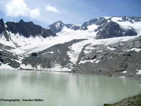Le lac et le glacier des Quirlies, près de l'Alpe d'Huez, Massif des Grandes Rousses (38), août 2008